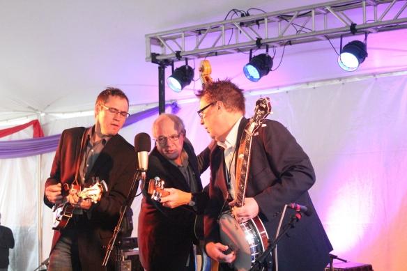 Chris Jones & Night Drivers with Jon Weisberger on bass. He's the new IBMA president.